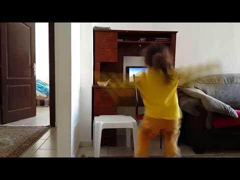 FAST Je mappelle Funny Bear  Cute little girl dancing for Gummy Bear Song
