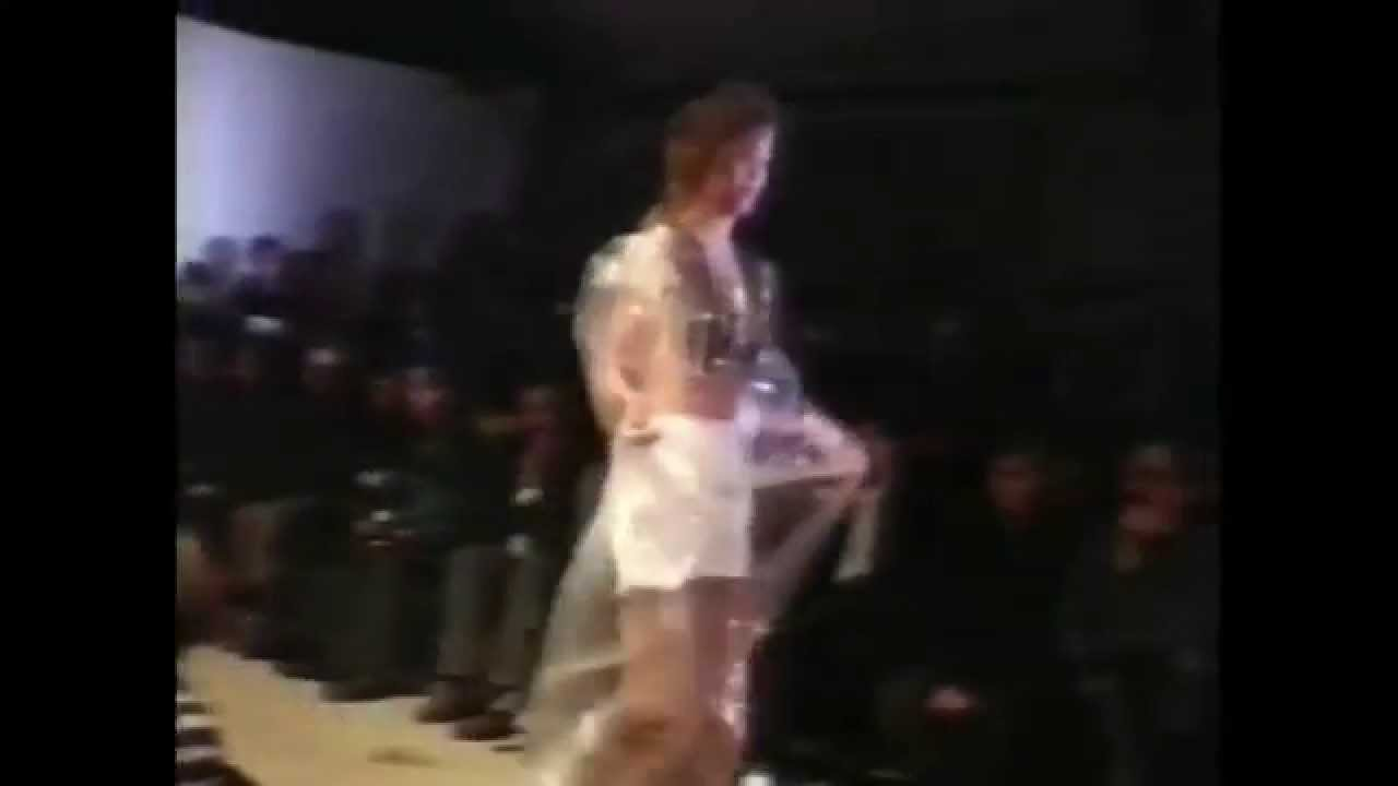 画像: ► The Artist Is Absent: A Short Film On Martin Margiela | by YOOX Group youtu.be
