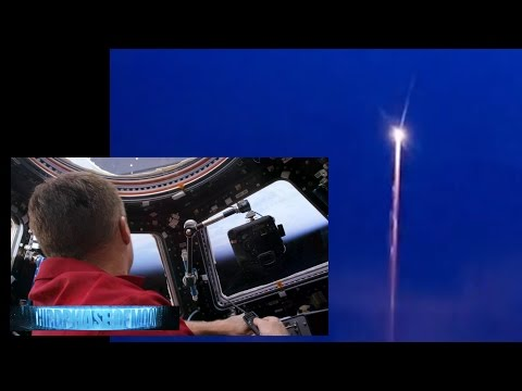 DID YOU SEE THIS? Video Shows NASA DESTROYING Black Knight Satellite!? CRAZY UFO OVER Indiana!! 2016