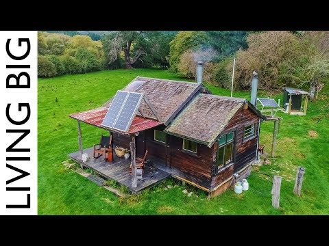 School Bus Converted To Incredible Off-Grid Home - YouTube