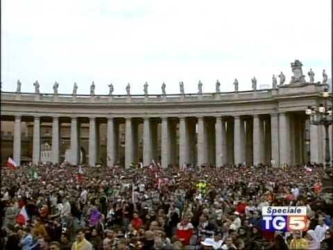 Pope Benedict XVI Funerali Giovanni Paolo II 8 04 2005