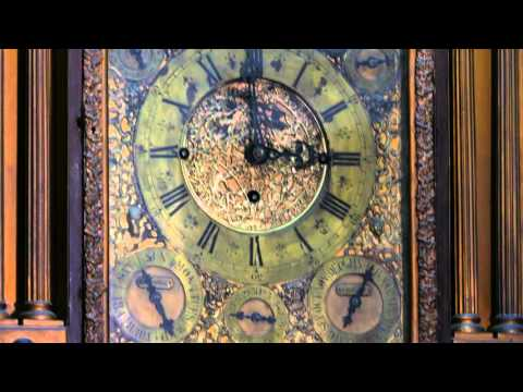 Mechanical Clock striking 3 at Salar Jung Museum, Hyderabad, India, 2016-02-24