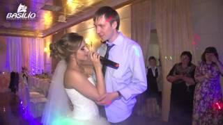 Запись песни на свадьбу в Барнауле - Девушка спела жениху на свадьбе