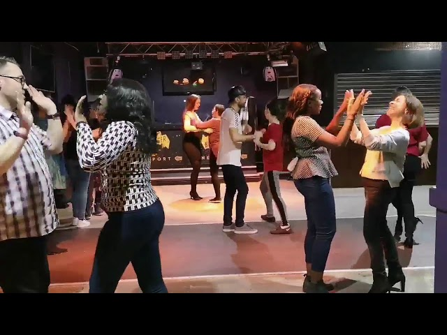 Cuban Salsa Class Beginners with Mariano Hombre - Havana People Salsa