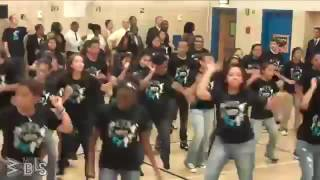 Beyonce surprises students - Let s Move! Flash Workout for New York City.mp4