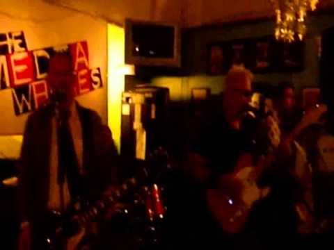 Billy Watson.TV - The Media Whores - Grangemouth Tavern 6
