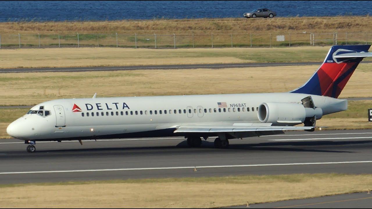 Delta Airlines Boeing 717200 N968AT landing in PDX