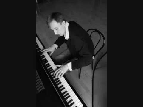 Scarlatti Sonata k319 Sergey Kasprov, piano   La Roque d'Antheron 2009