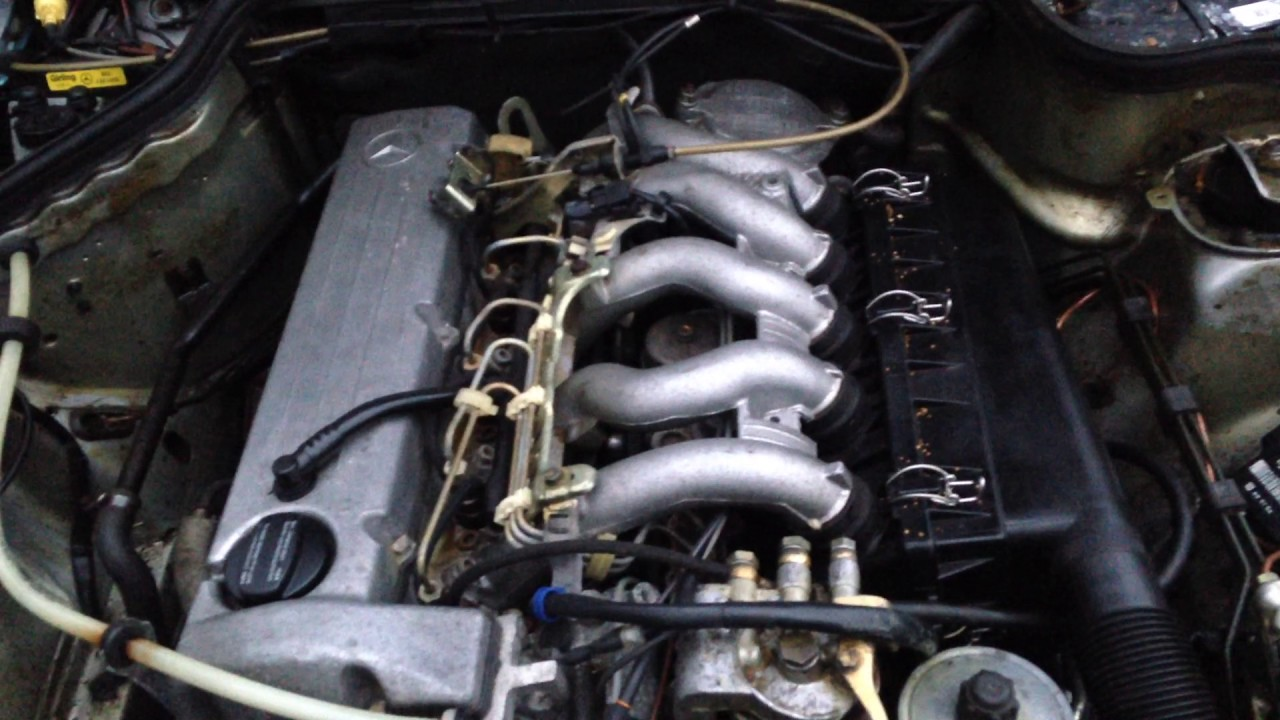 Mercedes Benz 190D W201 OM602 2 5 diesel 5 cylinder engine start up + rev  sound