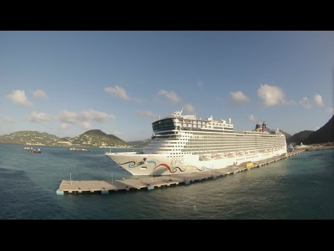 Philipsburg, Sint Maarten - Independence of the Seas Arrival Time Lapse HD (2013)