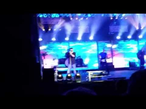 Lonely Eyes: Chris Young 8/28/2014 (Monroe, WA)