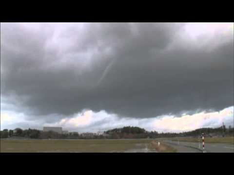 Raw: 2 Rare Tornados Strike Japan