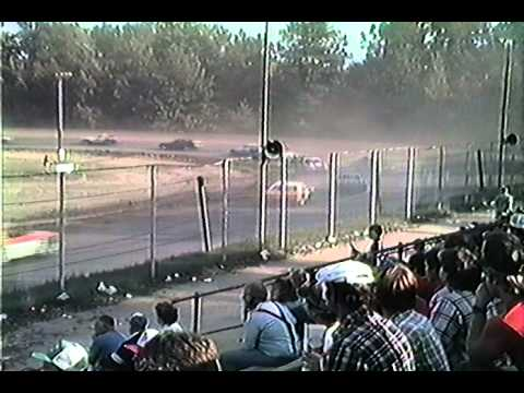 Albany Saratoga Speedway Street Stock races fall 1988 35 following Mike Clapperton M16