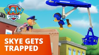 Download Video PAW Patrol | Skye Gets Trapped On Top Of A Building | Toy Episode MP3 3GP MP4