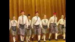 Scottish dance / Шотландский танец(Одиннадцатиклассники на своей волне., 2013-04-04T20:06:51.000Z)