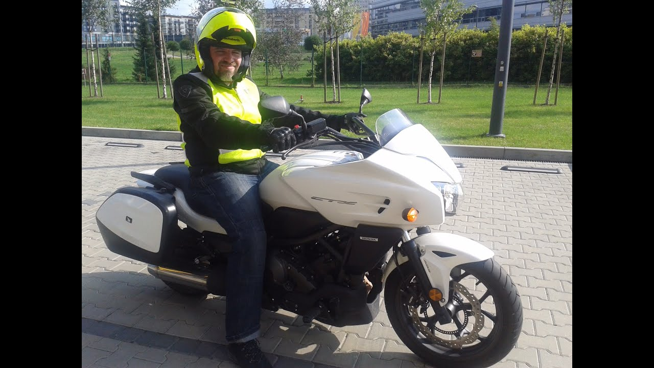 Honda CTX 700 test ride - YouTube