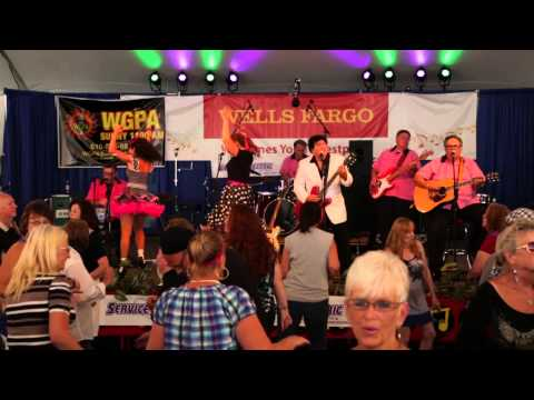 Main St . Cruiser at MusikFest 2015 Sing whole lot of shaking  going on