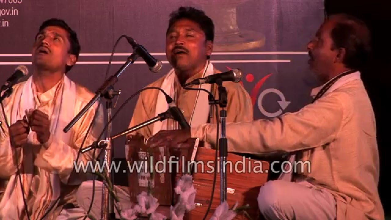 Ram Babu Yadav Kalakar and group from Allahabad perform music and comedy