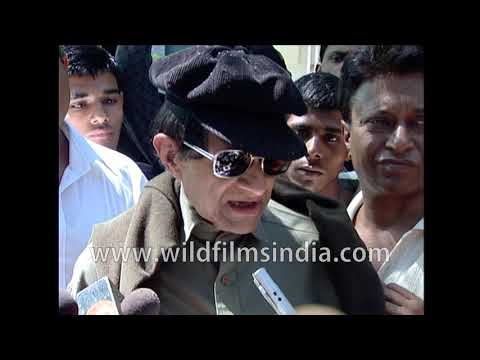 dev-anand-mourns-younger-brother-vijay-anand