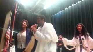 Ethiopia: Fasil Demoz on stage with Amharic music