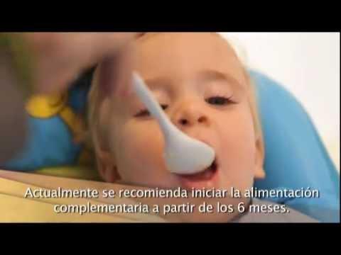 Beb s l cteos y cereales youtube - Cereales bebe 5 meses ...
