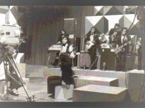 LOS GALOS - DETALLES  Y AMADA AMANTE - Canta Lucho Muñoz