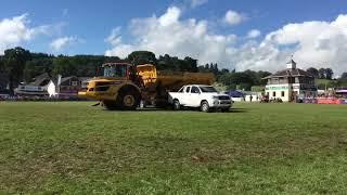 Paul Hannam Jumps a 30 ton dump truck at Royal Welsh Show 2017