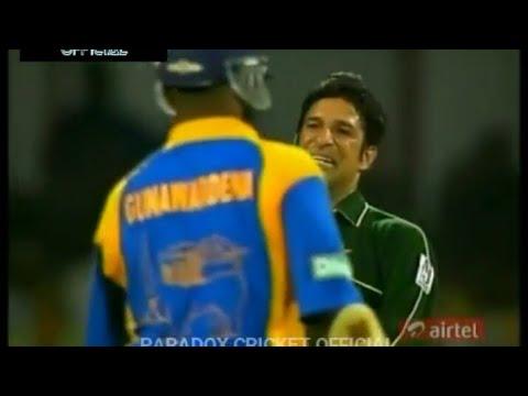 PAKISTAN vs SRI LANKA   2nd Match, Sharjah   Khaleej Times Trophy   2001