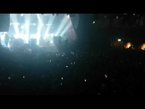 Liam Gallagher - Wall Of Glass (NEW SONG LIVE DEBUT) Manchester Ritz - 30/05/2017