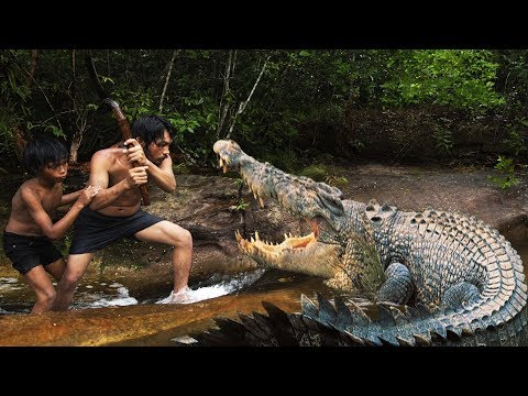 Terrifying! Brave Forest Men Fighting Crocodile - How To Fight With Crocodile in Forest