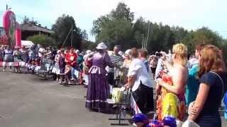 Алла Сумарокова, песня Дружба.(Концерт Аллы Сумароковой на острове Бревенник., 2014-07-14T14:50:25.000Z)
