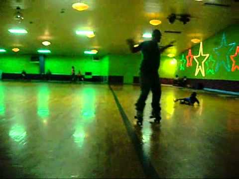 GETTING DOWN AT SKATE TOWN 165 MONROE