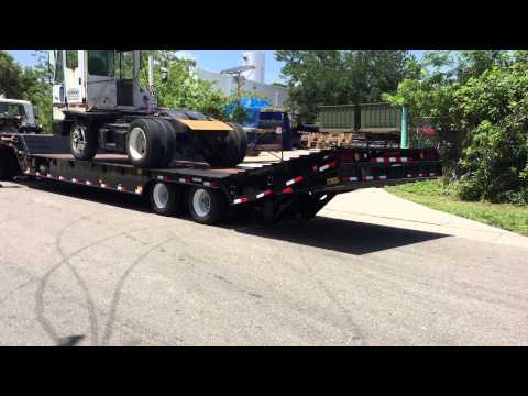 Globe Trailers - Hydraulic Tail