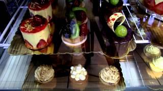 Astrid & Stéphanie - Boulangerie, Pâtisserie Artisanale & Bistro Français sur Collins Avenue
