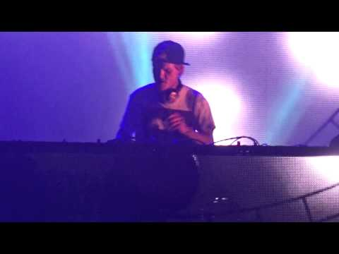 Avicii - Broken Arrows @ Hard Rock Rising 2015