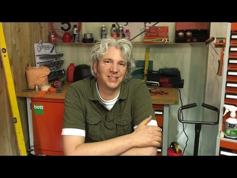 Edd China on Mike Brewer