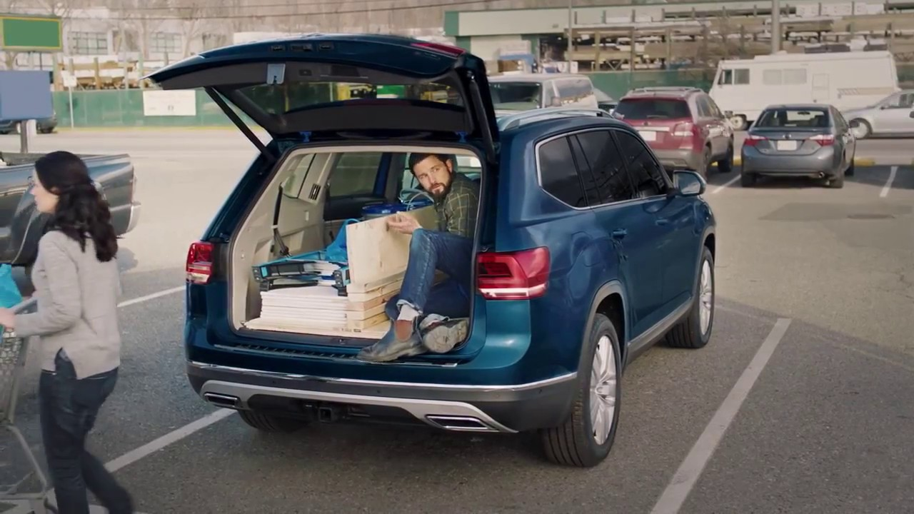 2018 volkswagen atlas suv folding seats and cargo space youtube - Small suv cargo space property ...