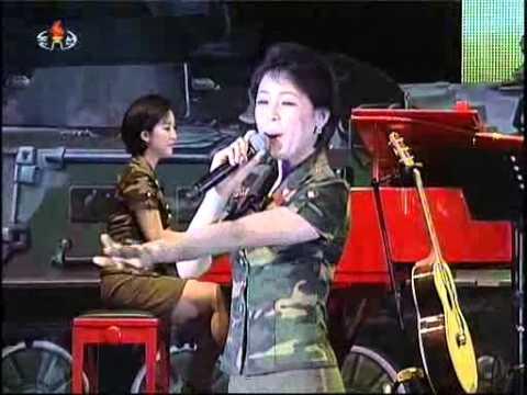 [Concert] Moranbong Band (April 25, 2013) {DPRK Music}