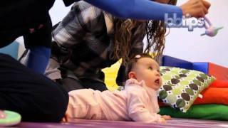 Entrenando músculos de la cabeza y aprendiendo a rodar  - Motricidad