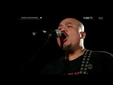 Netral - Pertempuran hati (Live at Music Everywhere) **