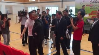 Former Real Madrid, Brazil star Roberto Carlos meets local legend Fandi Ahmad
