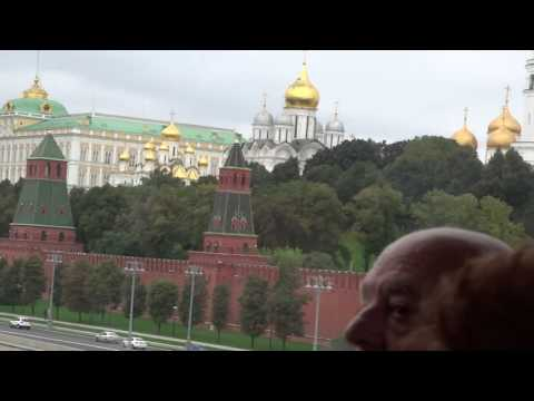 Moscow - Kremlin & Moscow River - Bridge Crossing See ALL Kremlin Gold Domes