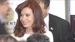 """Presidente da Argentina hospitalizada em """"estado febril infeccioso"""""""