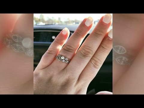 Woman's post about her $130 wedding rings goes viral. https://pixlypro.com/AXpjaX0
