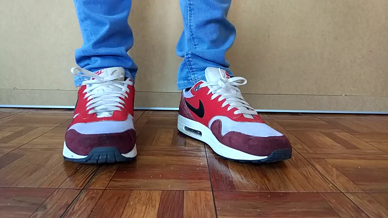 newest 85c44 a2c13 Nike Airmax One red and blue skinny jeans