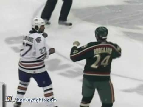 Georges Laraque vs Derek Boogaard Nov 23, 2005