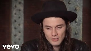 Baixar James Bay - Interview from #VevoHalloween 2015