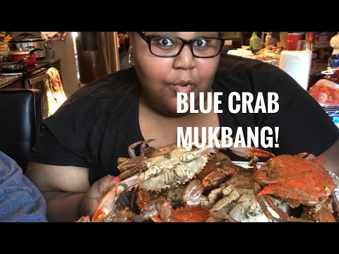 BLUE CRAB MUKBANG! Cracking & sucking noises| How to eat blue crabs!