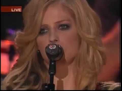Avril Lavigne - Live at Vancouver Canada 2005