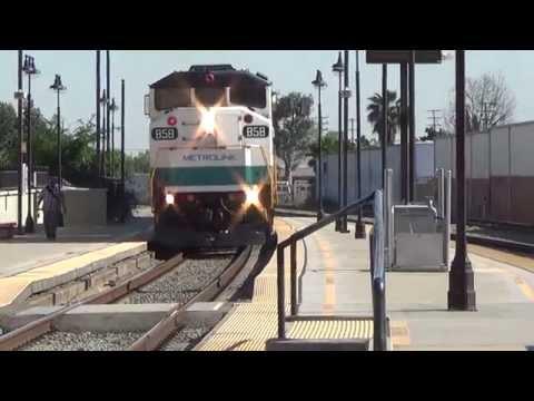 Metrolink Rush Hour Action At Glendale Station